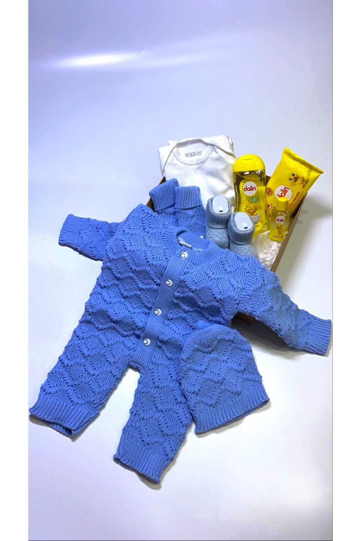 Dalinli ve Mavi Tulumlu Erkek Bebek Hediye Kutusu