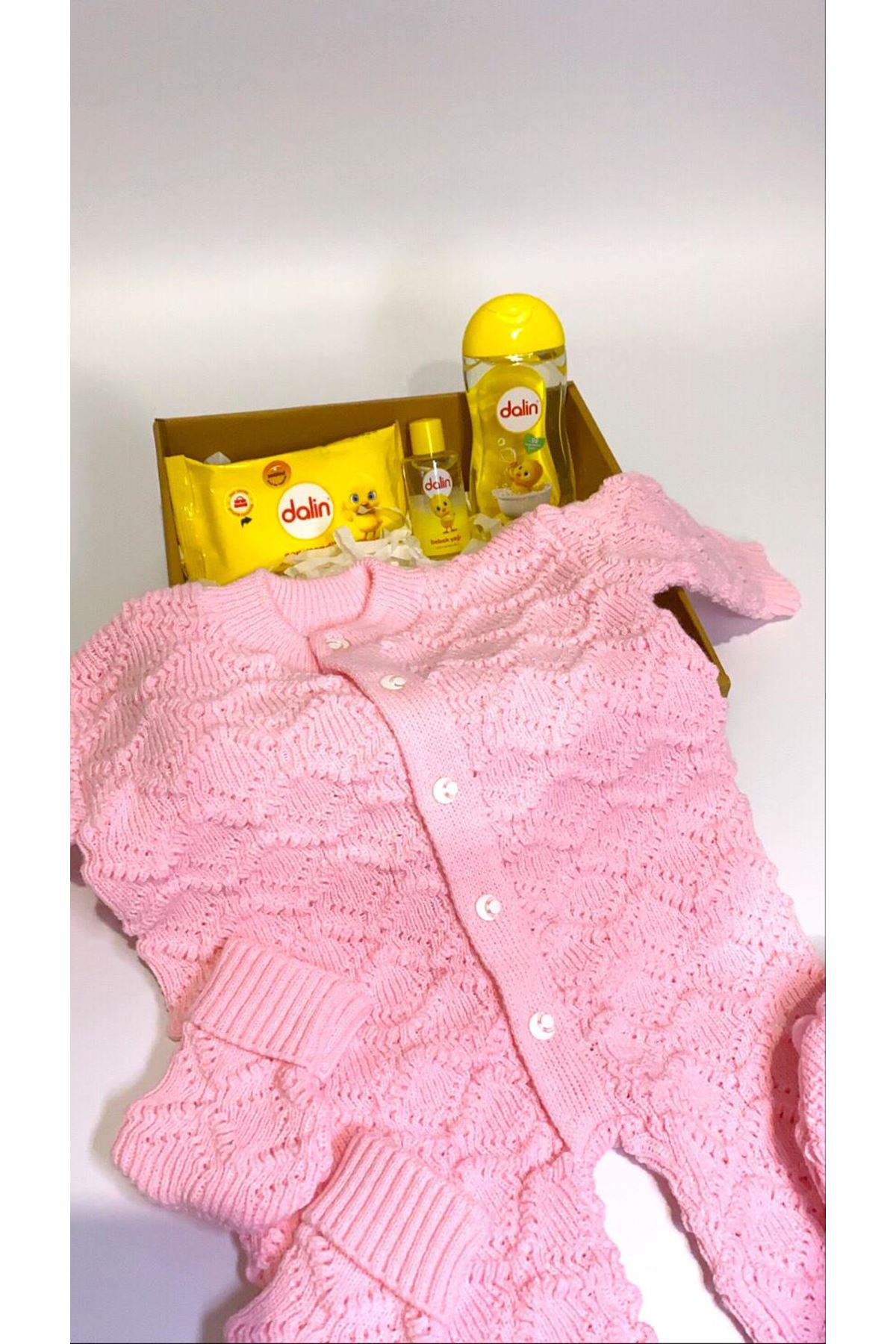 Dalinli ve Bereli Triko Kız Pembe Tulum Bebek Hediye Kutusu