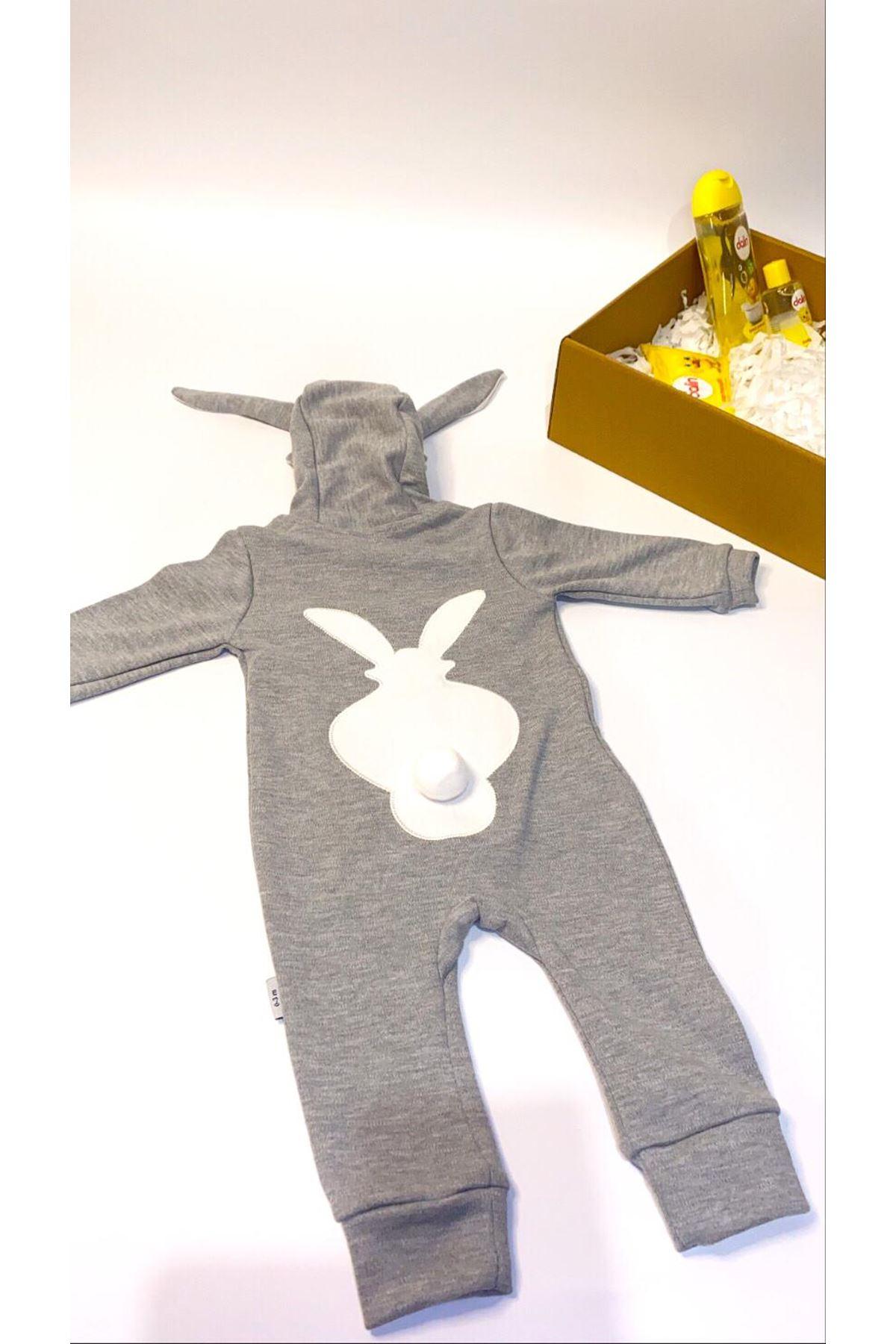 Dalinli ve Tavşan Kulaklı Ponponlu Gri Tulum Bebek Hediye Kutusu